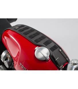 Set de sangle de réservoir Legend Gear Modèles Triumph (15-). Pochette smartphone LA3.