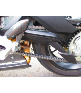 PROTECTION DE CHAINE CARBONE INFERIEURE MV BRUTALE 675/800