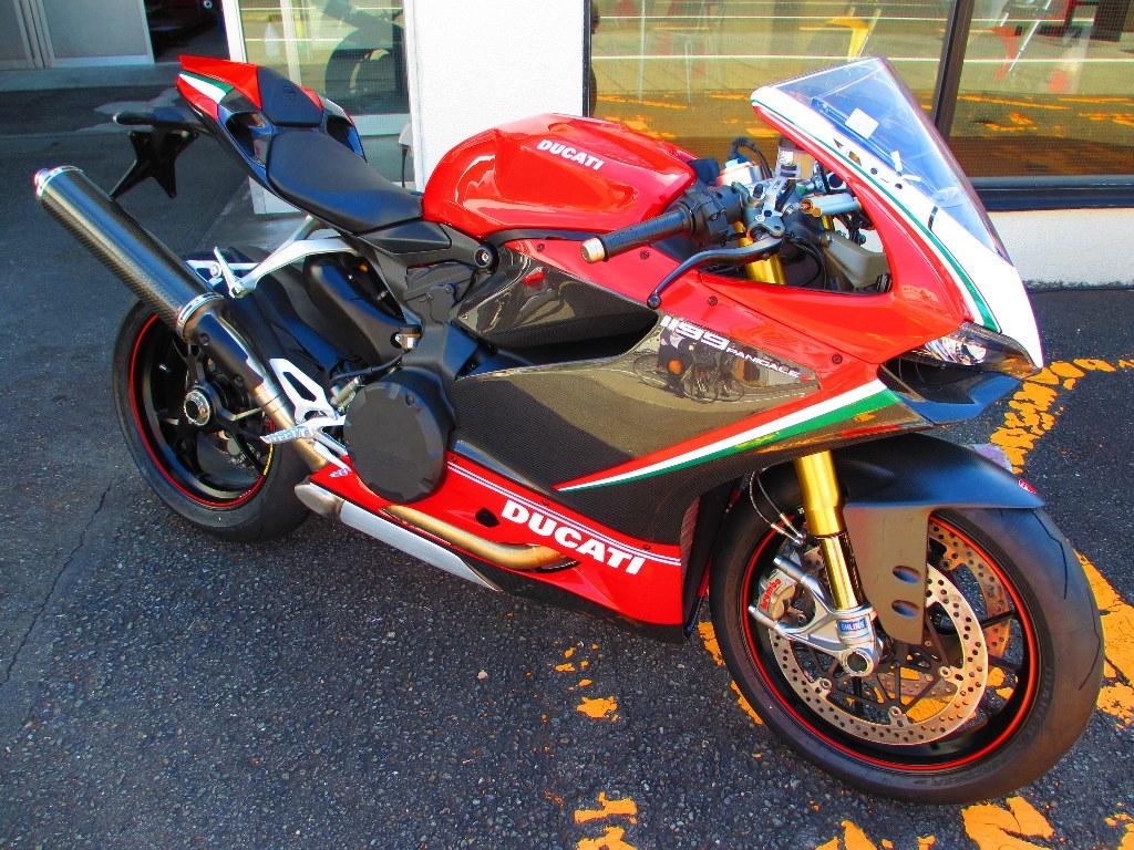 Carenage En Carbone Pour Ducati Panigale Carbonvani Tricolore